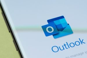 Adding Email signature to Outlook